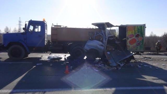 В Свердловской области молодой водитель грузовика уснул за рулем и погиб в ДТП (1).jpg