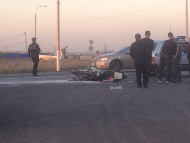 Под Воронежем мотоциклист врезался в фуру и погиб (2).jpg