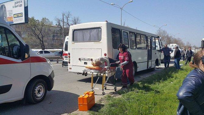 В Крыму в ДТП с двумя автобусами пострадали более 10 человек (2).jpg