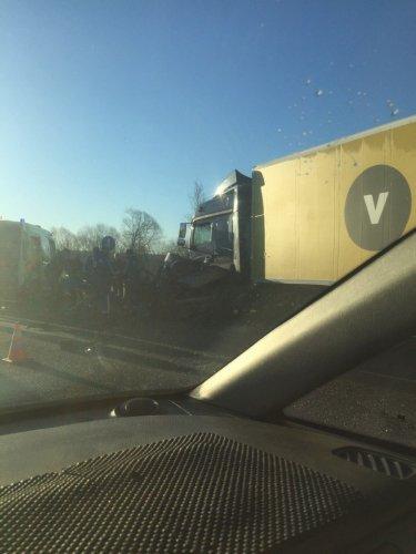 В ДТП с грузовиком на Колпинском шоссе погибли три женщины (4).jpg