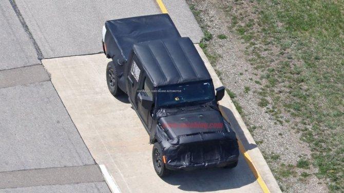 Снимки нового поколения пикапа Jeep Wrangler попали в Сеть (3).jpg