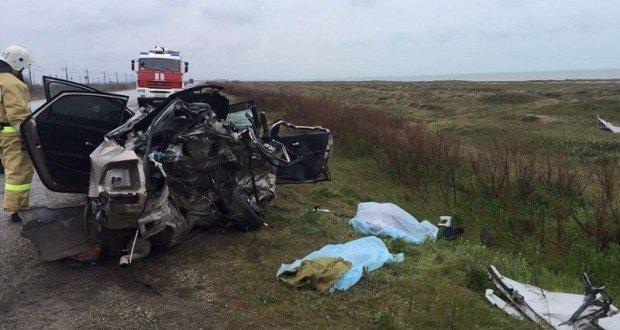 Мужчина и ребенок погибли в ДТП с микроавтобусом на трассе Евпатория — Симферополь.jpg