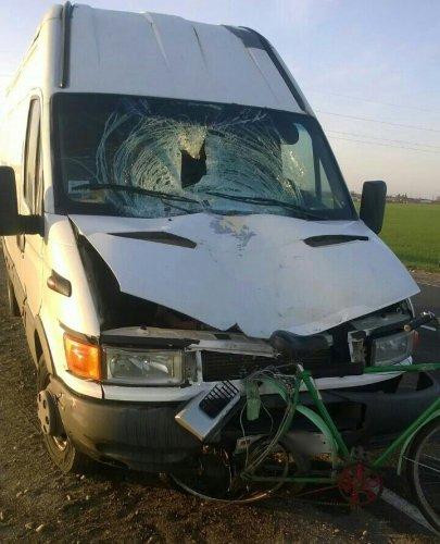Водитель фургона уснул за рулем и насмерть сбил велосипедиста, Жабинка