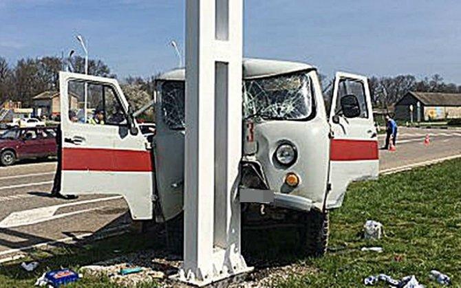 На Кубани в ДТП со «скорой» пострадали три человека