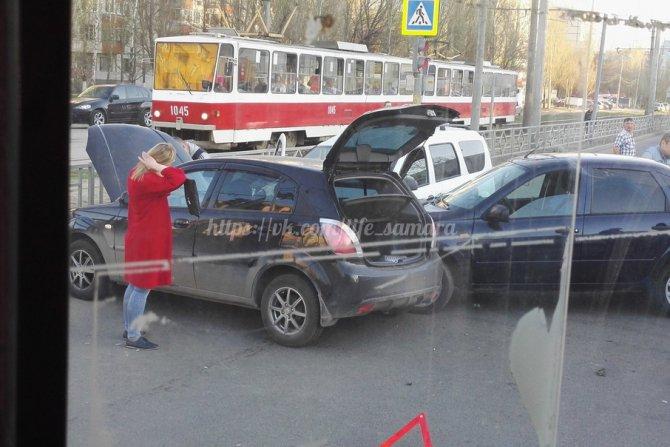 В Самаре столкнулись пять автомобилей.jpg
