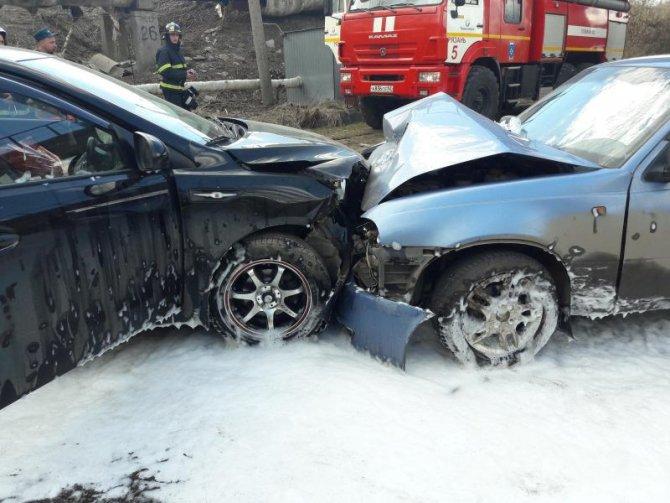 В лобовом ДТП в Рязани пострадали шесть человек (3).jpg