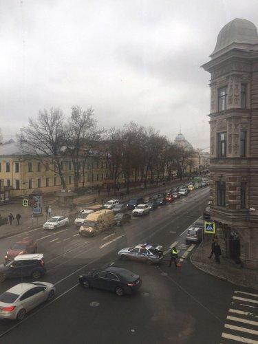 Взрыв в метро Петербурга спровоцировал транспортный коллапс (1).jpg
