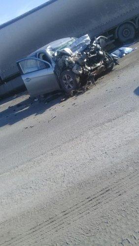 В Тюмени в ДТП с фурой погиб человек (2).jpg