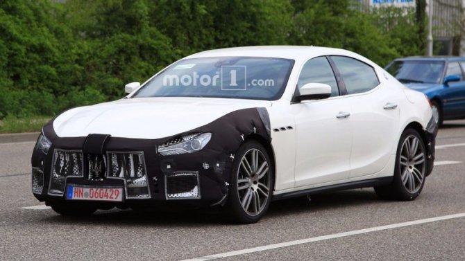 В Сети появились шпионские фото нового Maserati Ghibli (1).jpg