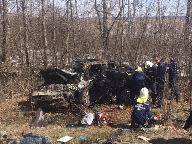 При столкновении двух автомобилей Toyota под Тамбовом погибли два человека (2).jpg