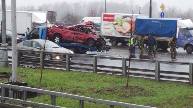 В ДТП с грузовиками на МКАД погиб человек (4).jpg