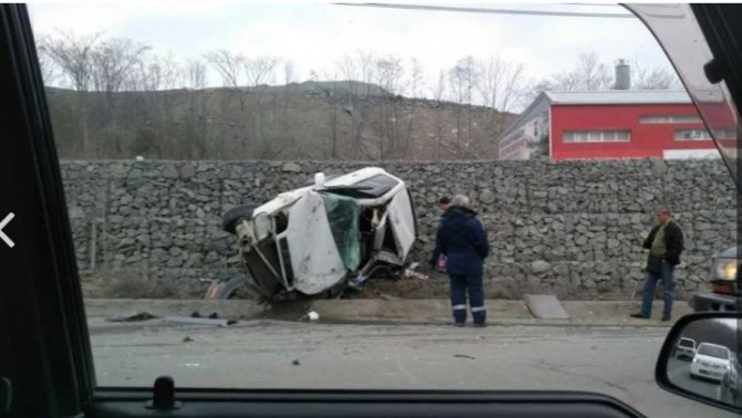 Во Владивостоке в ДТП разбилась Toyota RAV4 (1).jpg