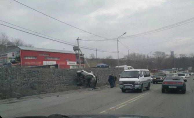 Во Владивостоке в ДТП разбилась Toyota RAV4 (2).jpg