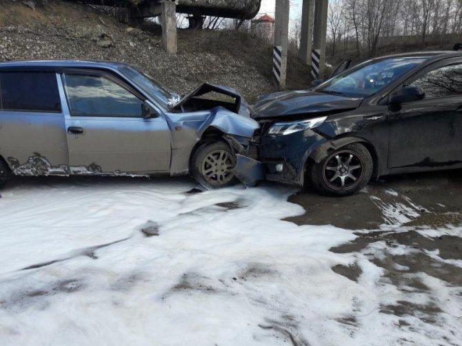 В лобовом ДТП в Рязани пострадали шесть человек (1).jpg