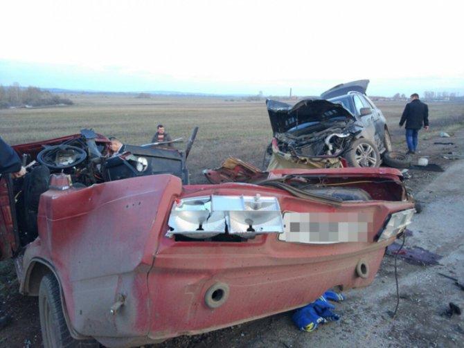 В Башкирии на трассе Стерлитамак – Салават в ДТП погибли два человека (1).jpg