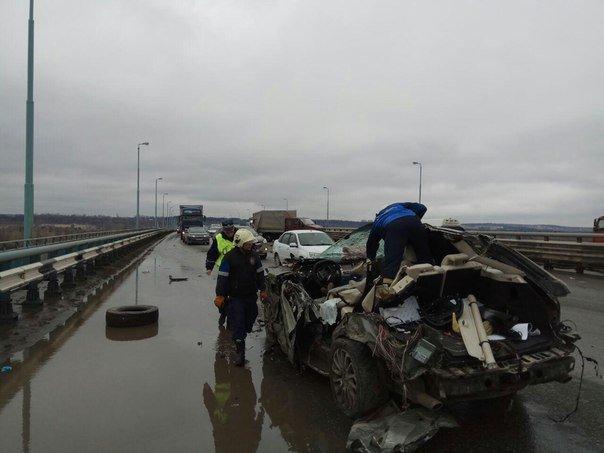 В Перми в ДТП на Красавинском мосту погибли два человека (2).jpg