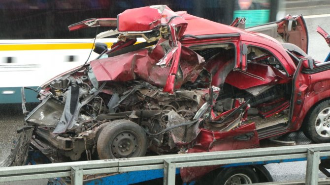 В ДТП с грузовиками на МКАД погиб человек (2).jpg