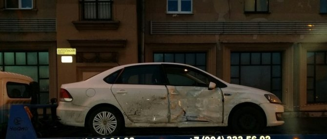 В ДТП на Малоохтинском проспекте в Петербурге пострадали женщина и ребенок (2).jpg
