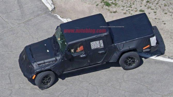 Снимки нового поколения пикапа Jeep Wrangler попали в Сеть (5).jpg