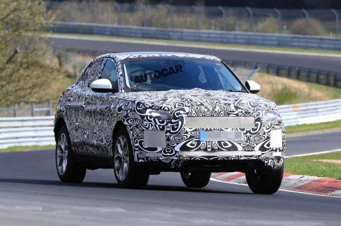 Новый Jaguar E-Pace проходит тесты на Нюрбургринге (1).jpg