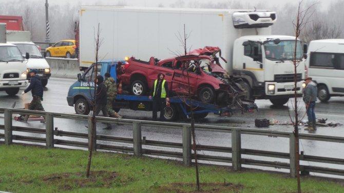 В ДТП с грузовиками на МКАД погиб человек (5).jpg