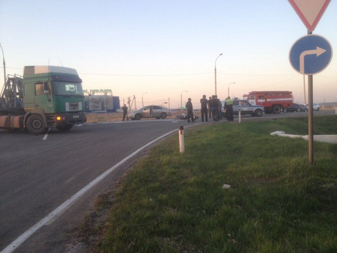 Под Воронежем мотоциклист врезался в фуру и погиб (3).jpg