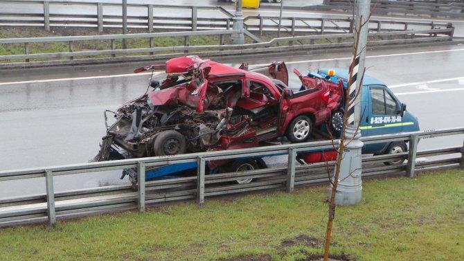 В ДТП с грузовиками на МКАД погиб человек (1).jpg