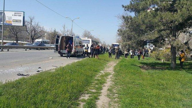 В Крыму в ДТП с двумя автобусами пострадали более 10 человек (1).jpg