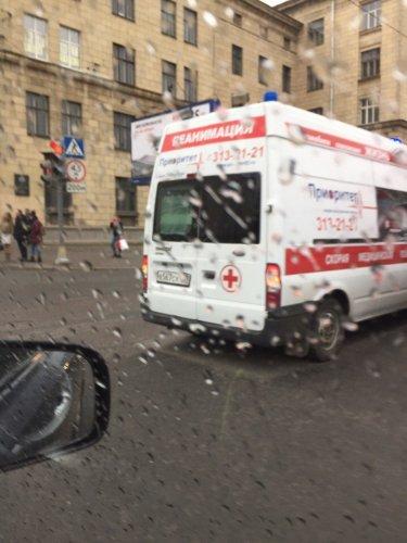 В Петербурге в ДТП попала «скорая помощь» (3).jpg
