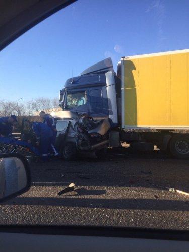 В ДТП с грузовиком на Колпинском шоссе погибли три женщины (3).jpg