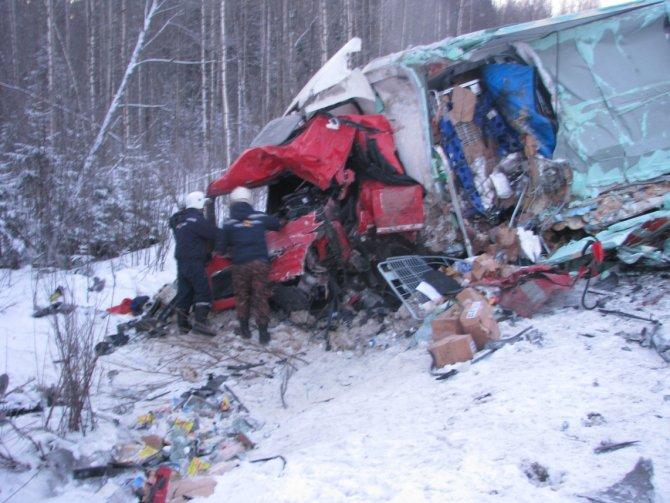 В ДТП с фурами на трассе «Вятка» погибли три человека (1).JPG