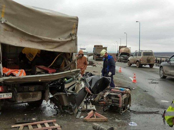 В Перми в ДТП на Красавинском мосту погибли два человека (1).jpg