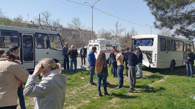 В Крыму в ДТП с двумя автобусами пострадали более 10 человек (3).jpg