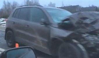 В Вологодском районе водитель Volkswagen Tiguan выехал на встречку и погиб в ДТП