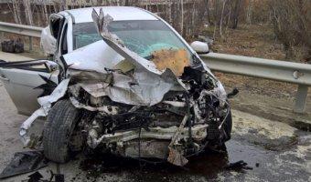 В результате ДТП в Южно-Сахалинске погиб водитель авто и ребенок-пассажир