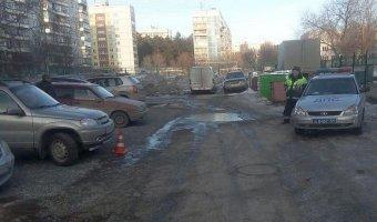 В Новосибирске «Нива» сбила на парковке 2-летнего мальчика