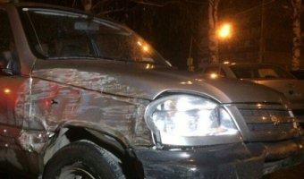 В Тольятти водитель Chevrolet Niva влетел на парковку