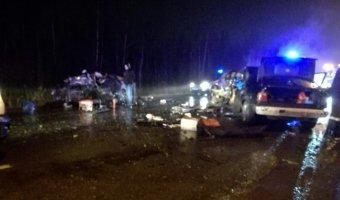 Два водитель и ребенок погибли в ночном ДТП в Петербурге