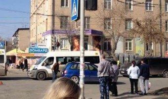 В Челябинске автомобиль сбил женщину с девятимесячным ребенком