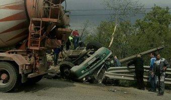 Жуткое ДТП с двумя погибшими под Алуштой: грузовик раздавил легковушку