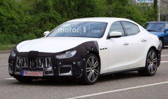 В Сети появились шпионские фото нового Maserati Ghibli