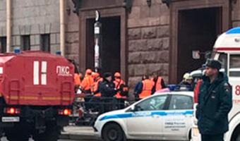ВПетербурге открыли «горячие линии» для информирования опострадавших вовремя взрыва вметро