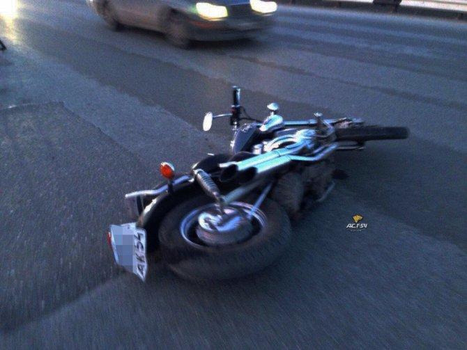 Пассажир мотоцикла погиб в ДТП в Новосибирске (5).jpg