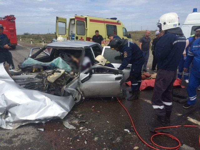 Молодой пассажир легковушки погиб в ДТП с КамАЗом под Астраханью (2).jpg