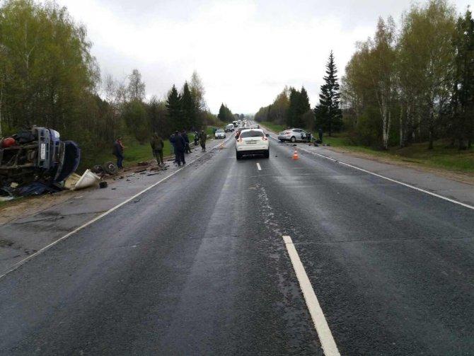 На трассе Иваново-Кострома в ДТП с «Газелью» погиб человек (2).jpg