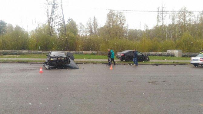 В ДТП в Твери пострадали два человека (4).jpg