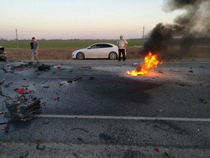 На трассе за Баратаевкой в ДТП с мотоциклами погибли три человека (2).jpg