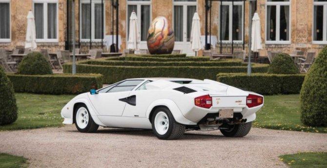 Lamborghini Countach 5000 с золотыми вставками продадут на аукционе (8).jpg