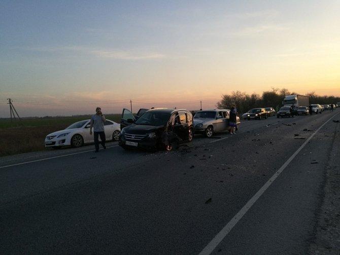 На трассе за Баратаевкой в ДТП с мотоциклами погибли три человека (1).jpg