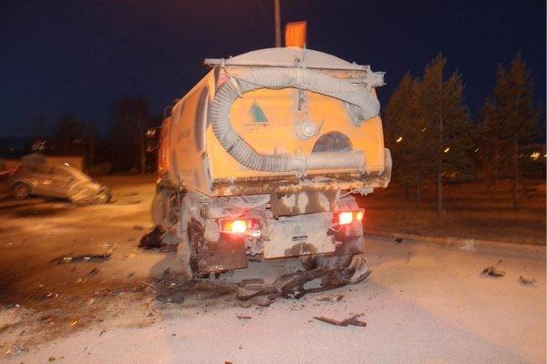В ночном ДТП в Сургуте погибли два человека (2).jpg